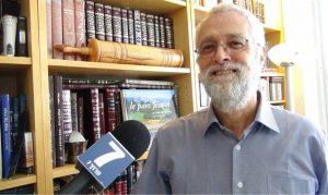 Dr. Efraim Arera