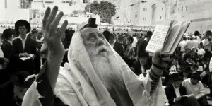 messiah-jerusalem-prayer-man-kotel