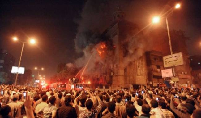 muslim-mob-burning-christian-churches